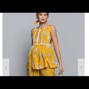 Yellow print woven  sleeveless top